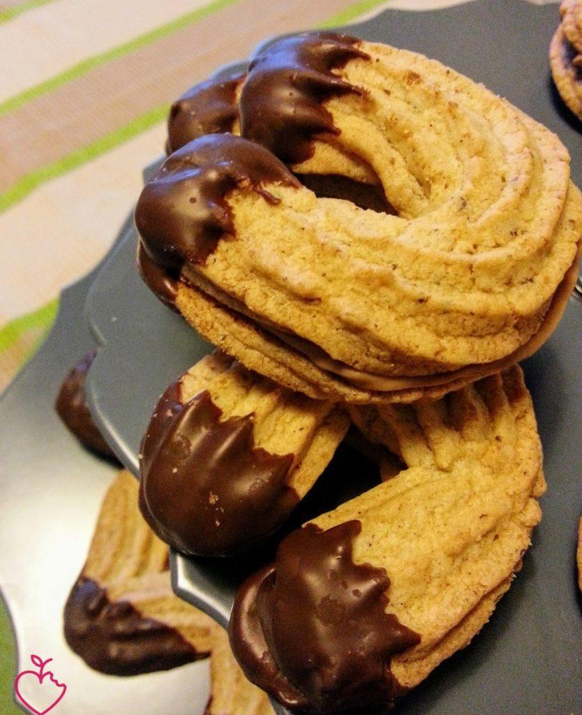 Biscotti alle nocciole con cremino