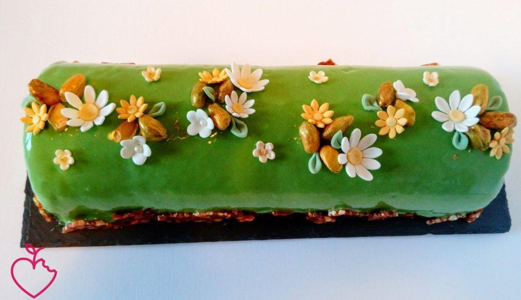 Tronchetto primavera, Namelaka al pistacchio e passione